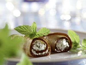 Auberginen-Feta-Röllchen Rezept