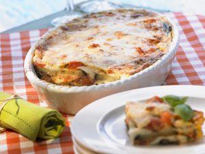 Auberginen-Tomaten-Gratin mit Mozzarella Rezept