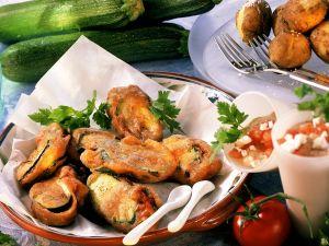 Ausgebackene Zucchini mit Tomatenfüllung Rezept