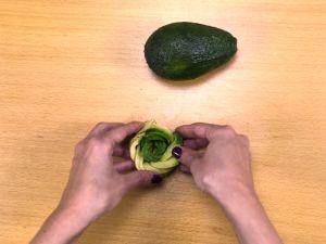 Avocado-Rose selber machen