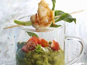 Avocadocreme auf mexikanische Art (Guacamole) mit Shrimpsspieß Rezept