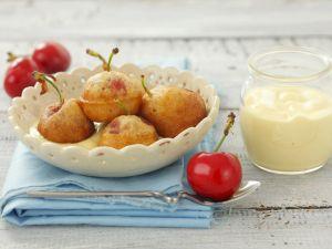 Backteig-Kirschen mit Vanillesoße Rezept