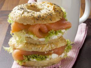 Bagels mit Lachs und Frischkäse Rezept
