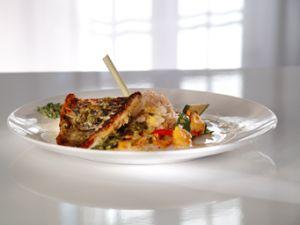 Bajan-Papageifisch an buntem Gemüse mit Mango-Kokos-Risotto