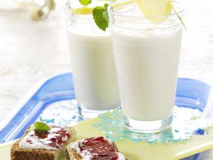 Bananen-Milch-Shake mit Vollkorn-Quark-Toast Rezept