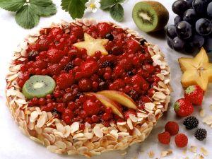 Beeren-Vanille-Mandel-Torte Rezept
