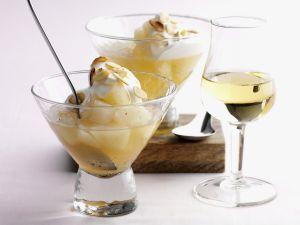 Birnen-Eis-Dessert mit Mandelblättchen Rezept