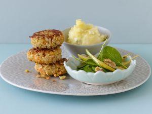 Birnenpüree mit Karottenfrikadellen und Spinatsalat Rezept