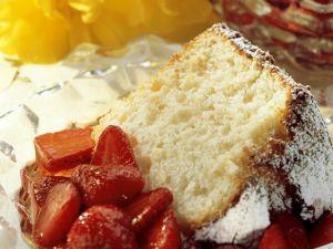 Biskuitkuchen mit Erdbeeren Rezept