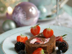Biskuitroulade mit fruchtiger Cremefüllung Rezept