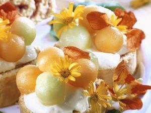 Biskuittörtchen mit Melone Rezept