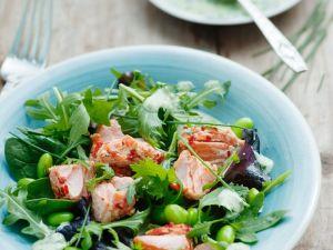 Blattsalat mit Bohnen und Lachs Rezept