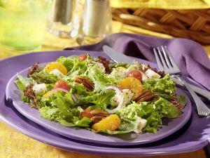 Blattsalat mit grünem Spargel Rezept