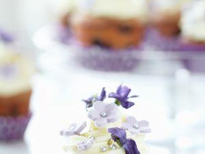 Blaubeercupcake mit Veilchen Rezept