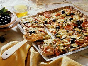 Blech-Pizza mit Gemüse Rezept