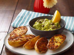 Blechkartoffeln mit Avocadocreme Rezept