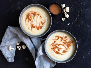 Blumenkohl-Pastinaken-Suppe mit Mandelmus Rezept