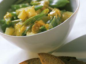 Bohnen-Curry mit Kartoffeln und Rosinen Rezept