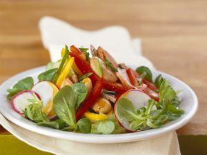 Bohnen-Feldsalat mit Gemüse Rezept