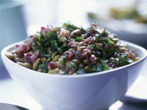 Bohnen-Zwiebel-Salat mit Petersilie Rezept