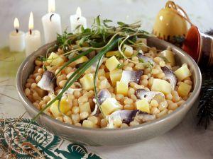 Bohnensalat mit Hering und Kartoffeln zu Weihnachten Rezept