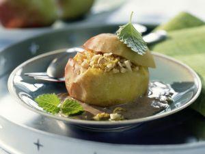 Bratapfel mit Zimtsauce Rezept