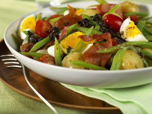 Bratkartoffelsalat mit Olivenpaste Rezept