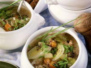 Brot-Gemüse-Suppe mit Speck Rezept