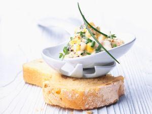 Brotaufstrich mit Eiern und Schnittlauch Rezept