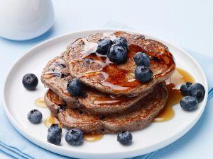 Buchweizen-Pancakes mit Blaubeeren Rezept