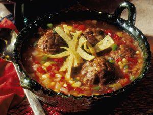 Bunte Gemüsesuppe mit Fleischbällchen Rezept