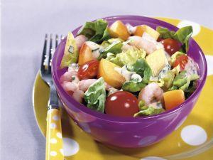 Bunter Salat mit Shrimps und Joghurt-Vinaigrette Rezept