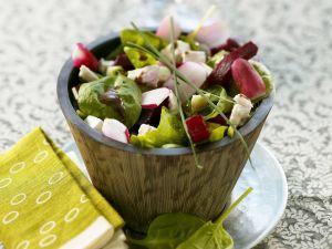 Bunter Salat mit Spinat Rezept