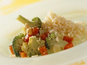 Buntes Gemüse mit Reis Rezept