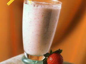 Buttermilchshake mit Erdbeeren Rezept