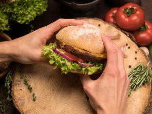 Bux Burger: Ein Burger aus Würmern