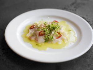 Capaccio aus Fisch mit Chili und Kresse Rezept