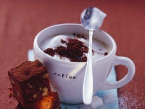 Cappuccino und Kuchen Rezept