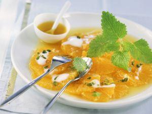 Carpaccio aus Orangenfilets mit Pistazien und Joghurt Rezept