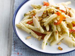 Cavatellucci mit Pinienkernen und Tomaten Rezept