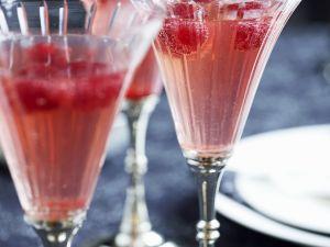 Champagner mit Himbeeren Rezept