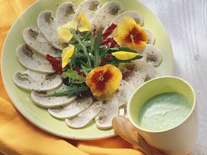 Champignon-Carpaccio mit Salat Rezept