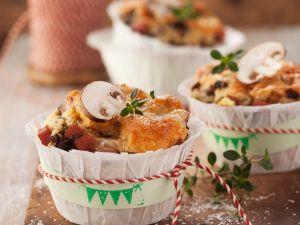 Champignon-Muffins mit Schinken und Käse Rezept