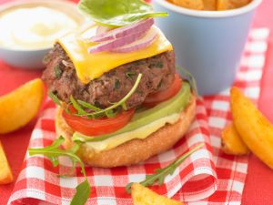 Cheeseburger mit Avocado Rezept