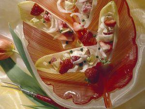 Chicoree-Erdbeersalat Rezept