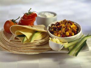 Chili con Carne mit mexikanischem Fladenbrot (Tortillas) Rezept