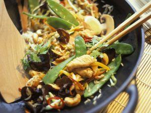 China-Wok mit Pute, Gemüse und Pilzen Rezept