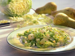 Chinakohl mit Birnen und Kräutern Rezept