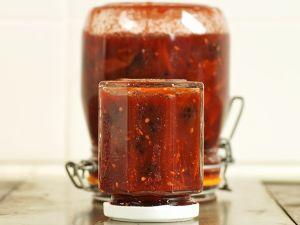 Chutney aus Tomaten und Brombeeren Rezept