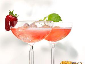 Cocktail mit Champagner und Limes Rezept